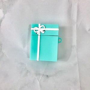 NEW Tiffany blue gift box air pod case